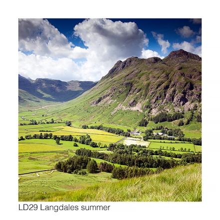 LD29 Great Langdale summer GCs web 6899